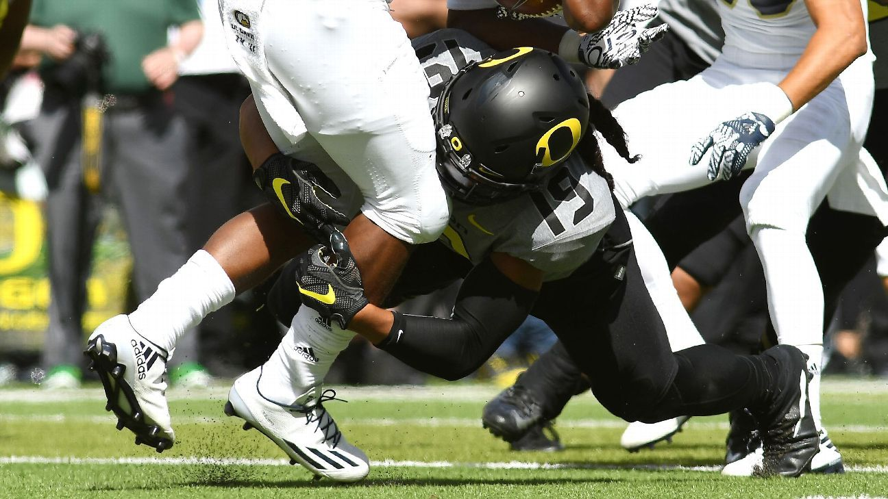 Former Oregon linebacker Fotu Leiato, who was dismissed from the team in May, was killed in a single-car accident Friday near Autzen Stadium.