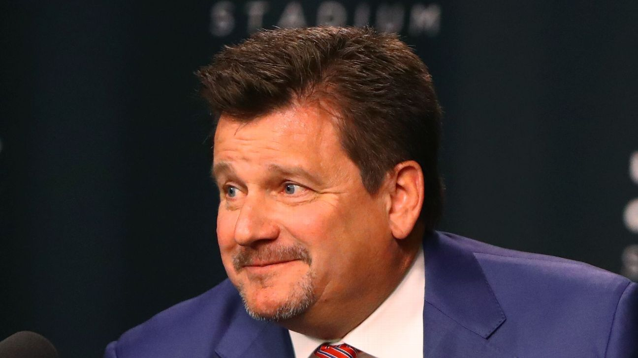 A day after Arizona Cardinals president Michael Bidwill publicly supported Supreme Court nominee Brett Kavanaugh, Bidwill said he also supports players speaking up on social issues but wants them to