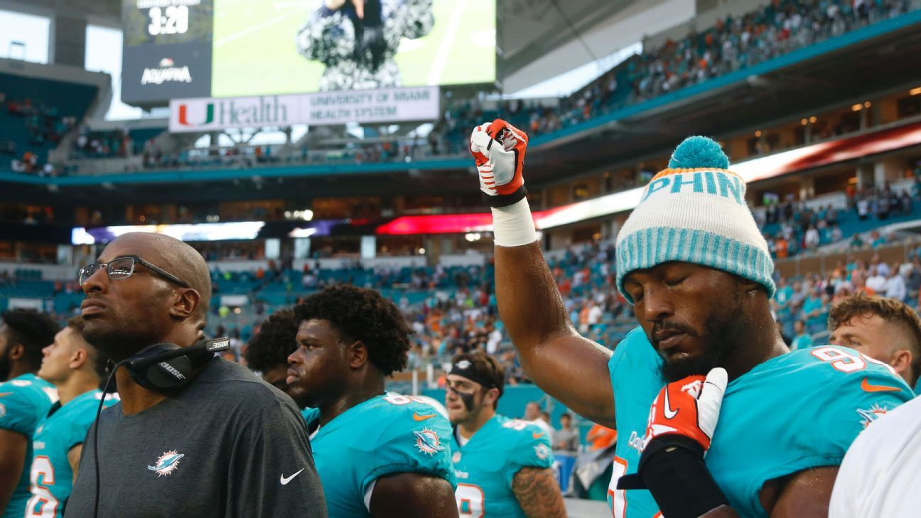 Kenny Stills and two other Dolphins players renewed their national anthem protests before an exhibition game against the Buccaneers on Thursday, triggering yet another round of debate about the divisive NFL issue.