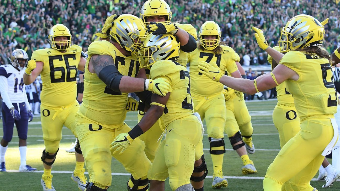 Oregon Ducks make jump, but is Pac-12 relevant in College Football Playoff race?