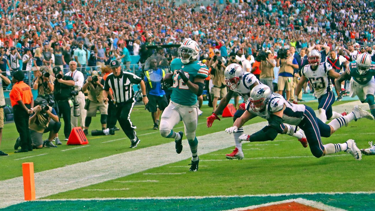 The Miami Miracle helped to kill many parlays that included the Patriots, leading to another winning weekend for Vegas sportsbooks. Here are the notable bets.