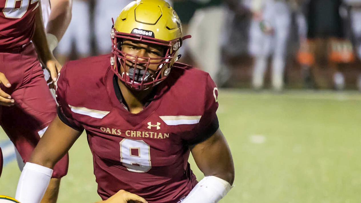 The No. 1 overall recruit moniker brings extra expectations, but Kayvon Thibodeaux has tried not to let it overwhelm him.
