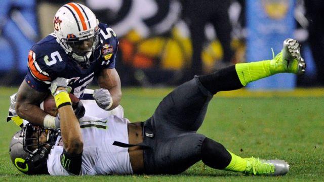 #1 Auburn vs. #2 Oregon - 1/10/2011 (re-air)