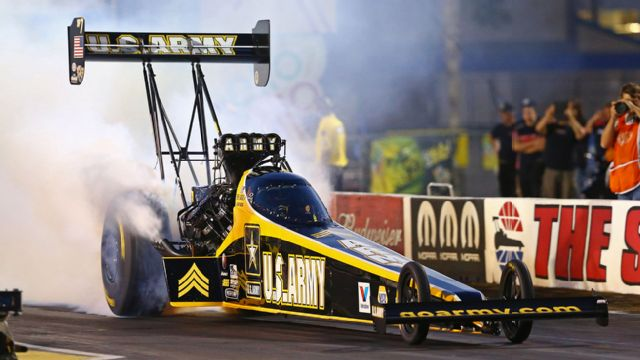 Auto Club NHRA Finals Qualifying
