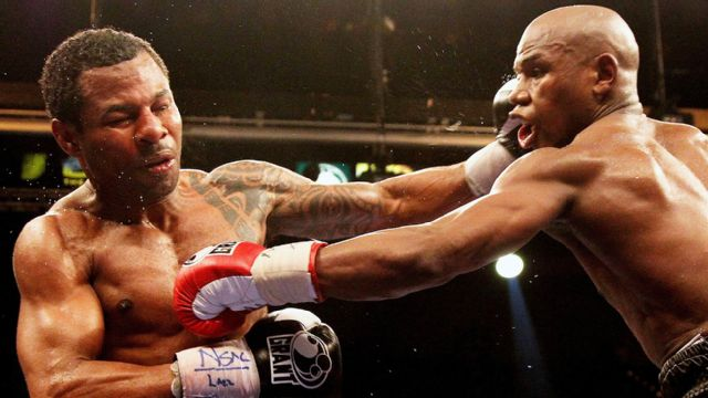 In Spanish - Floyd Mayweather Jr. vs. Shane Mosley (re-air)