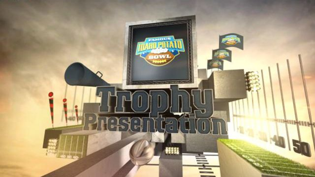 2014 Famous Idaho Potato Bowl Trophy Presentation