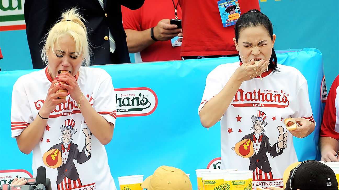 2016 Nathan's Famous Hot Dog Eating Contest - Women's Competition