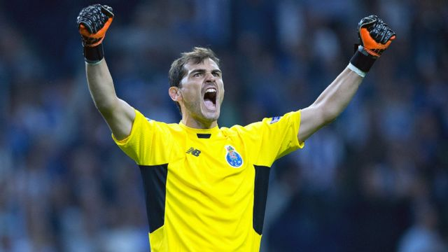 In Spanish - FC Porto vs. Dynamo Kiev (UEFA Champions League) (re-air)