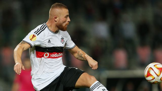 En Espanol - Partizan Belgrade vs. Besiktas JK (UEFA Europa League)