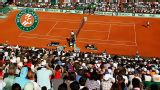 A. Falla vs. (2) R. Federer (First Round) (Court Phillipe Chartier)