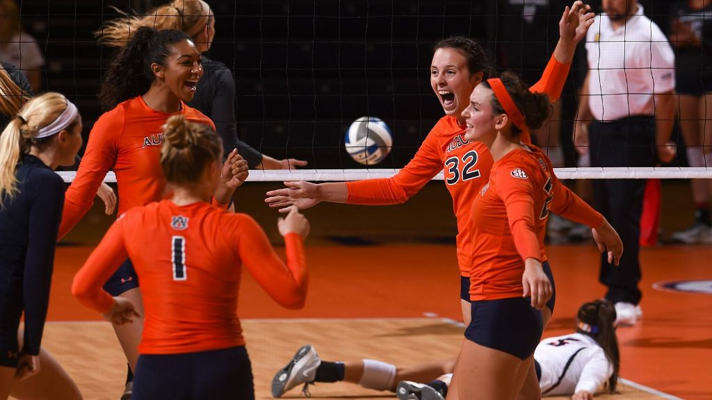 Auburn beats Samford, wins War Eagle Invitational