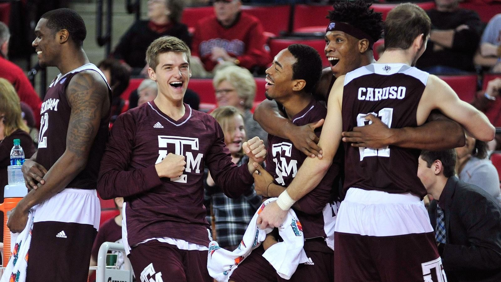 no 15 texas a m beats uga for eighth straight win. Black Bedroom Furniture Sets. Home Design Ideas