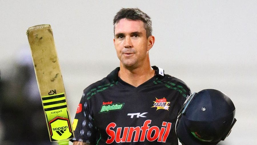Pietersen giving South Africa career 'a thought'