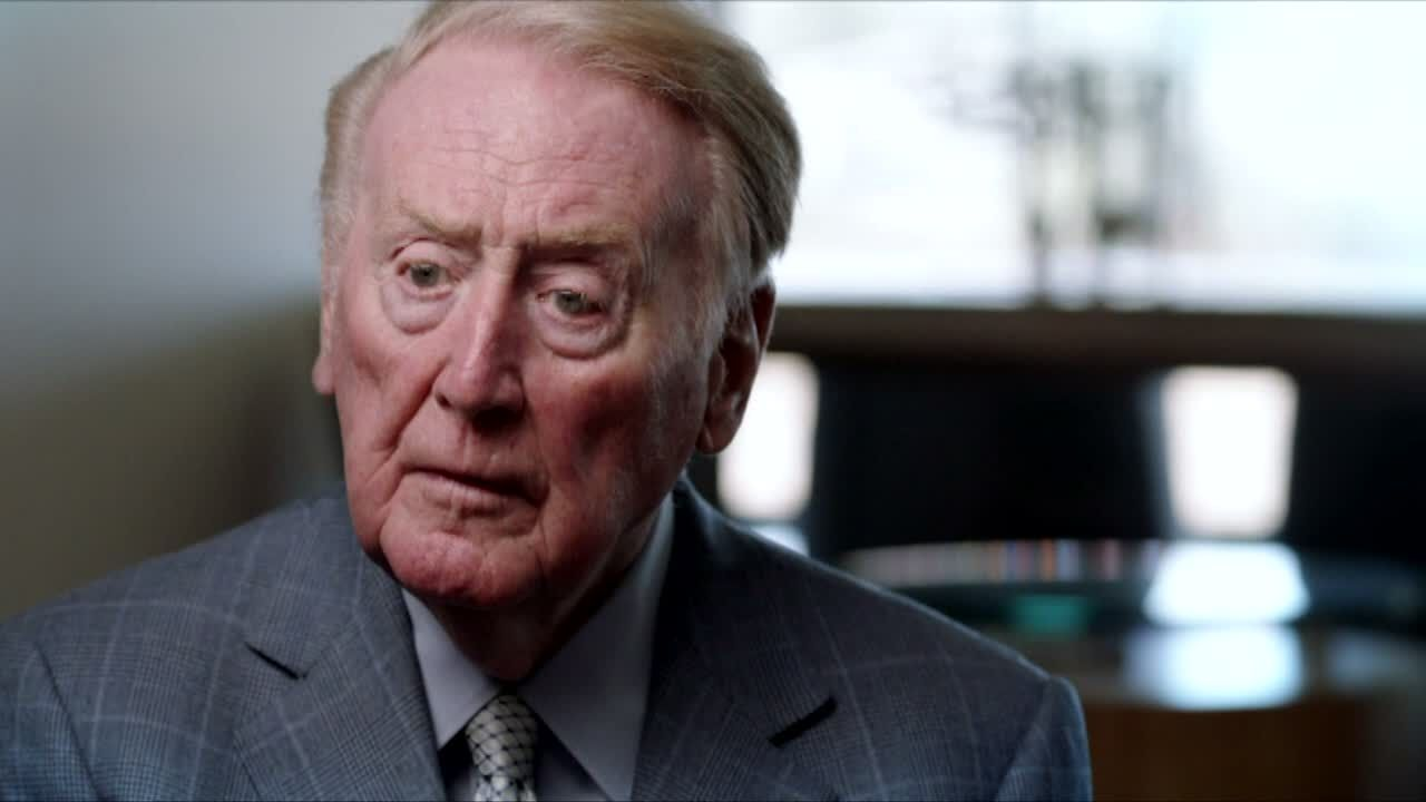 Vin Scully's fondest memory is 'the roar of the crowd'