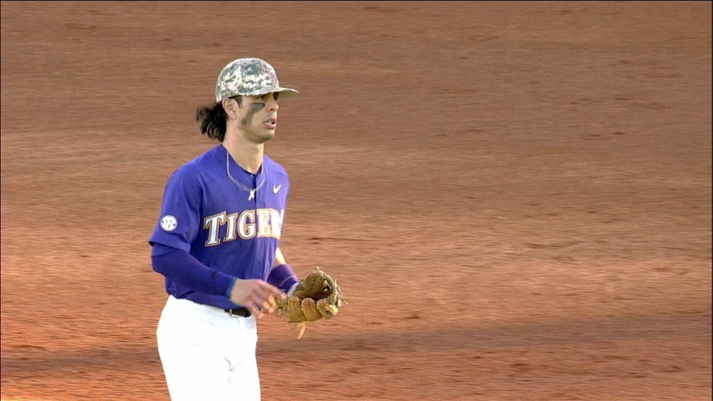 Kramer Robertson dazzles at shortstop