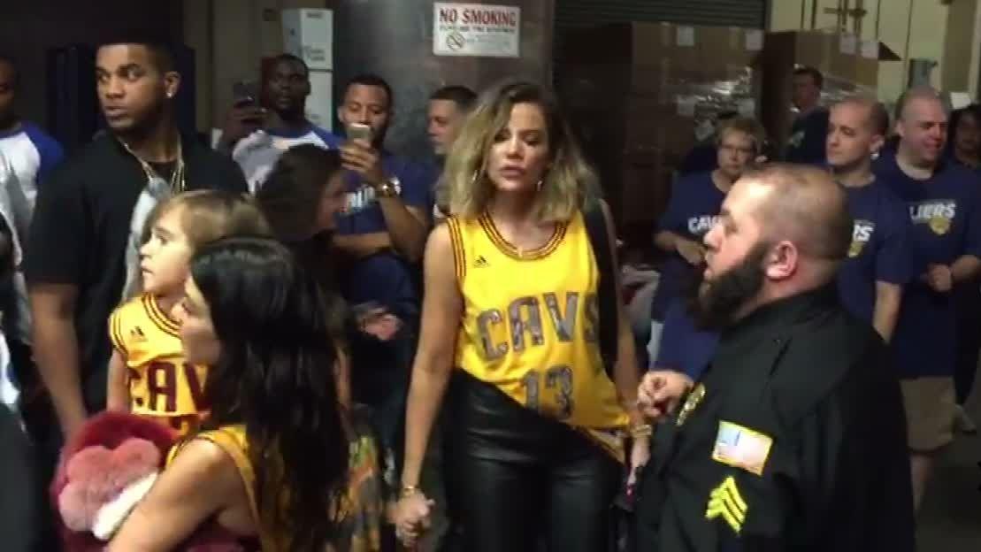 Khloe Kardashian arrives to Game 4