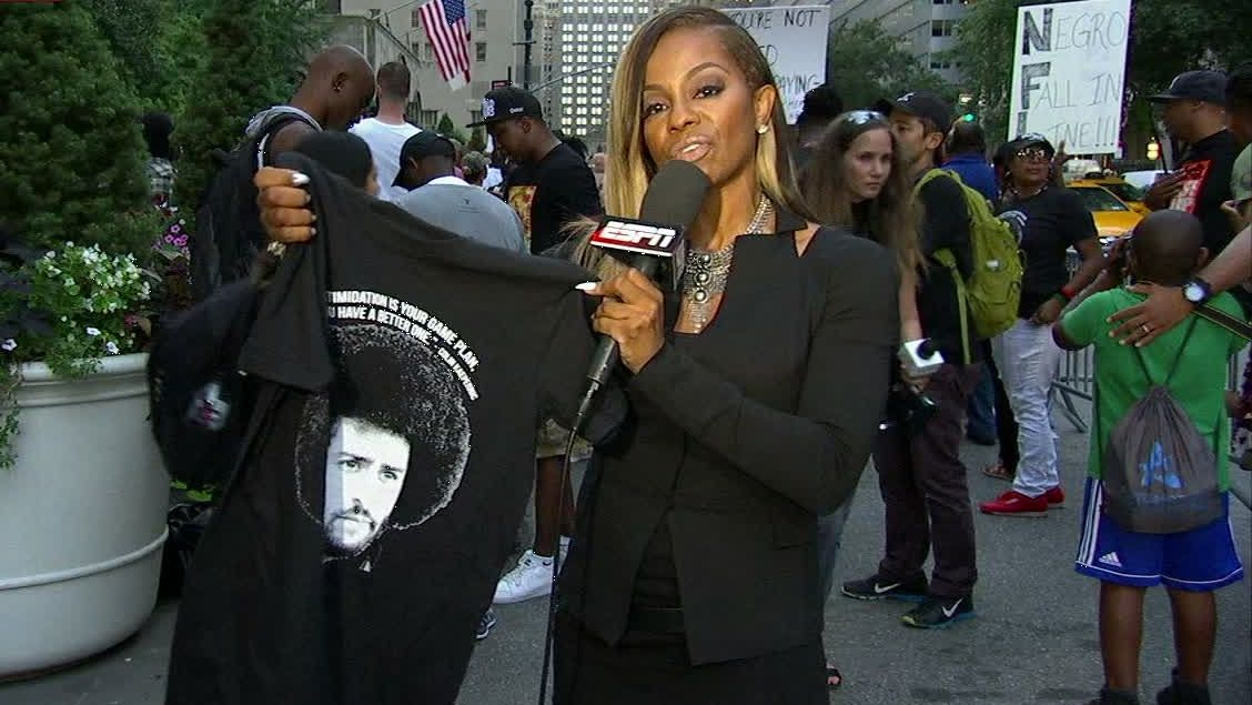Kaepernick supporters rally at NFL headquarters