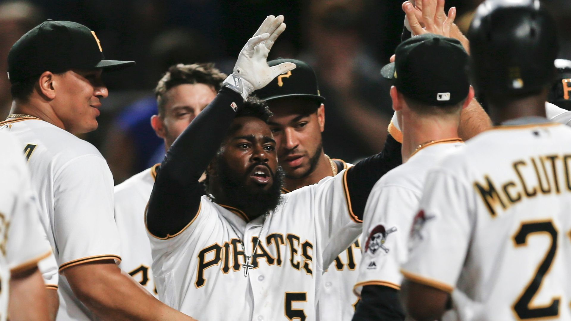 Hill's no-hit bid spoiled by walk-off 10th