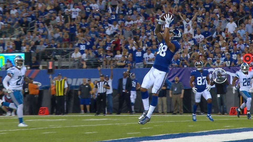 Engram catches Giants' first TD of season