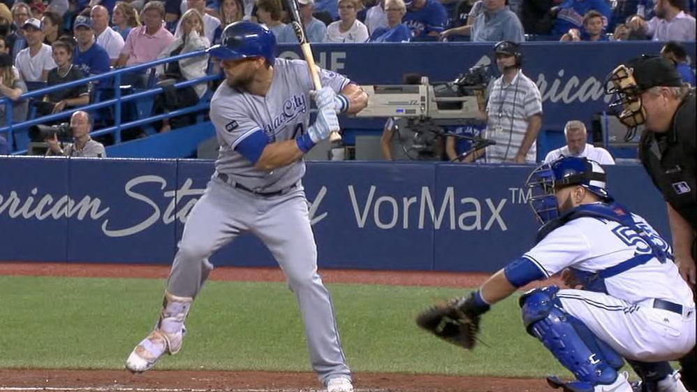 Gordon sets MLB HR mark with solo shot