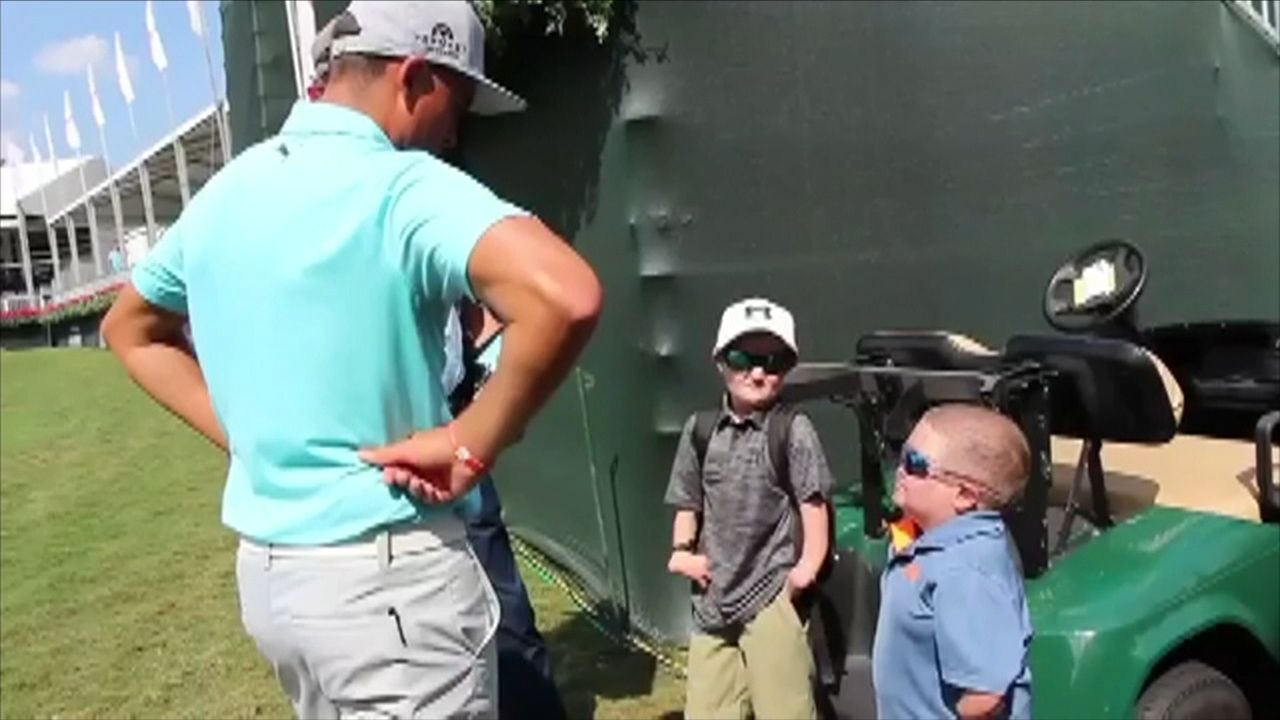 Fowler makes kids' day at PGA Tour Championship
