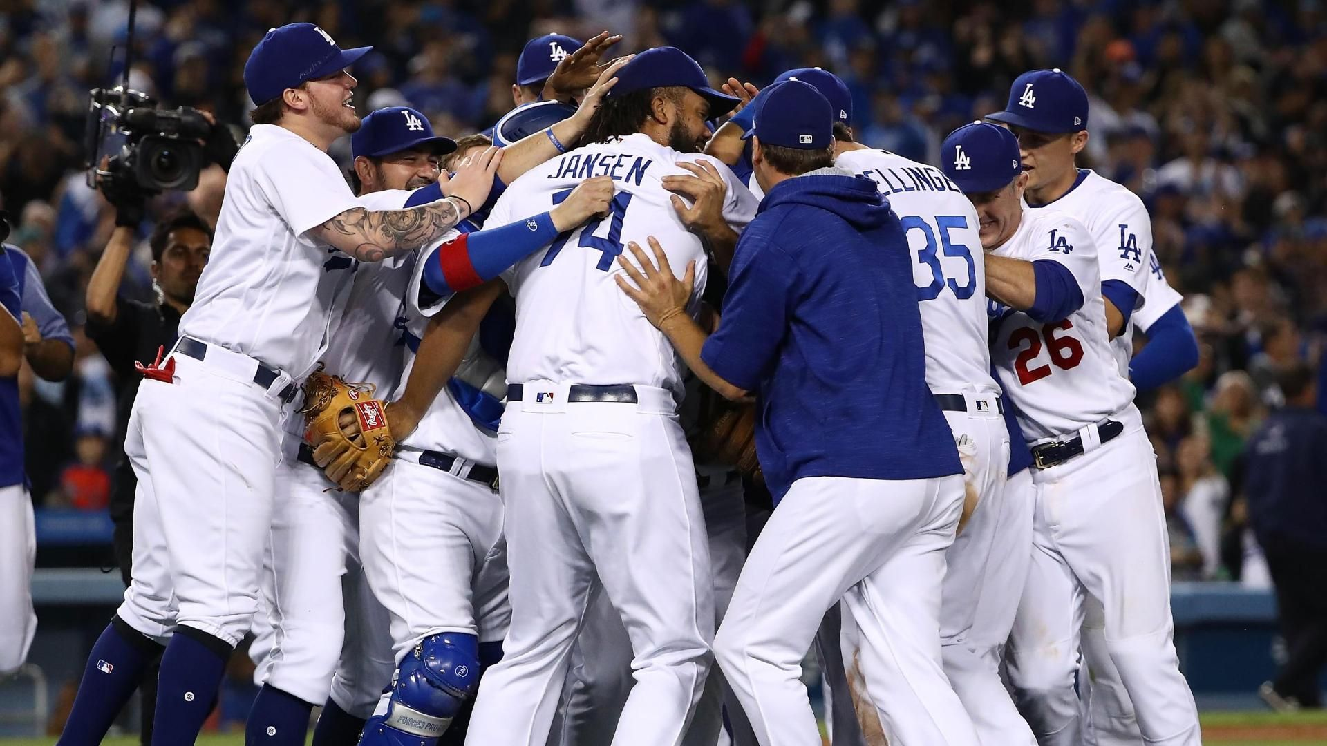 Dodgers clinch division title