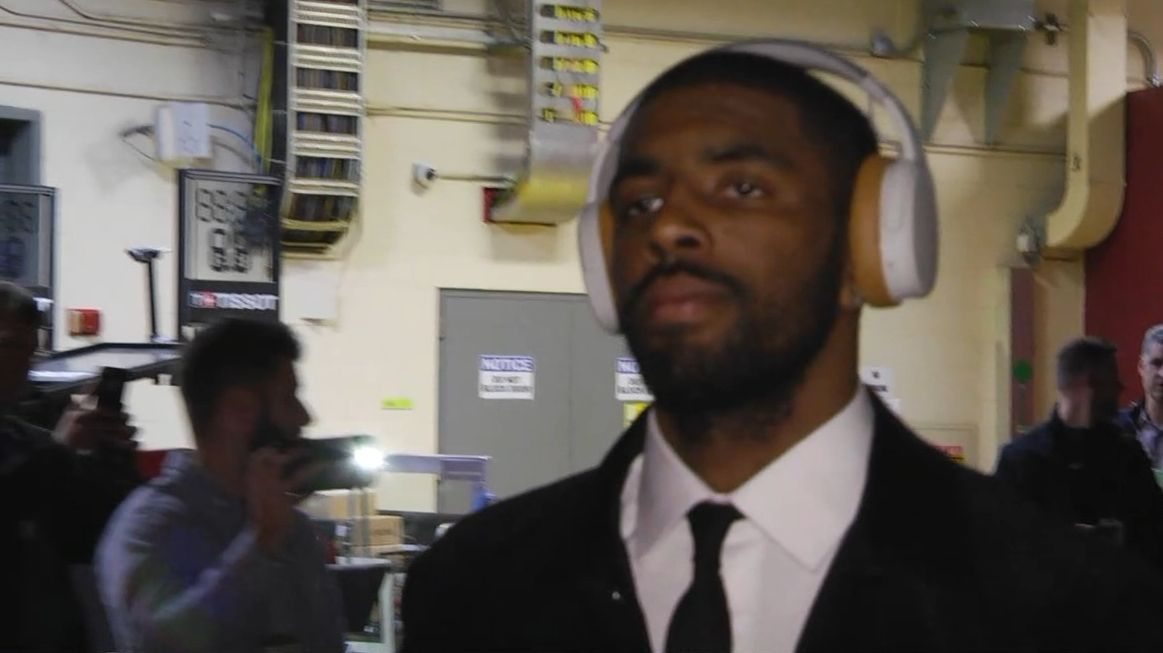Irving, Hayward arrive in Cleveland