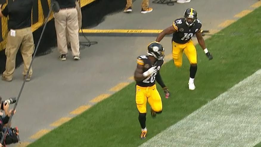 Smith-Schuster plays hide-and-seek with Bell after TD