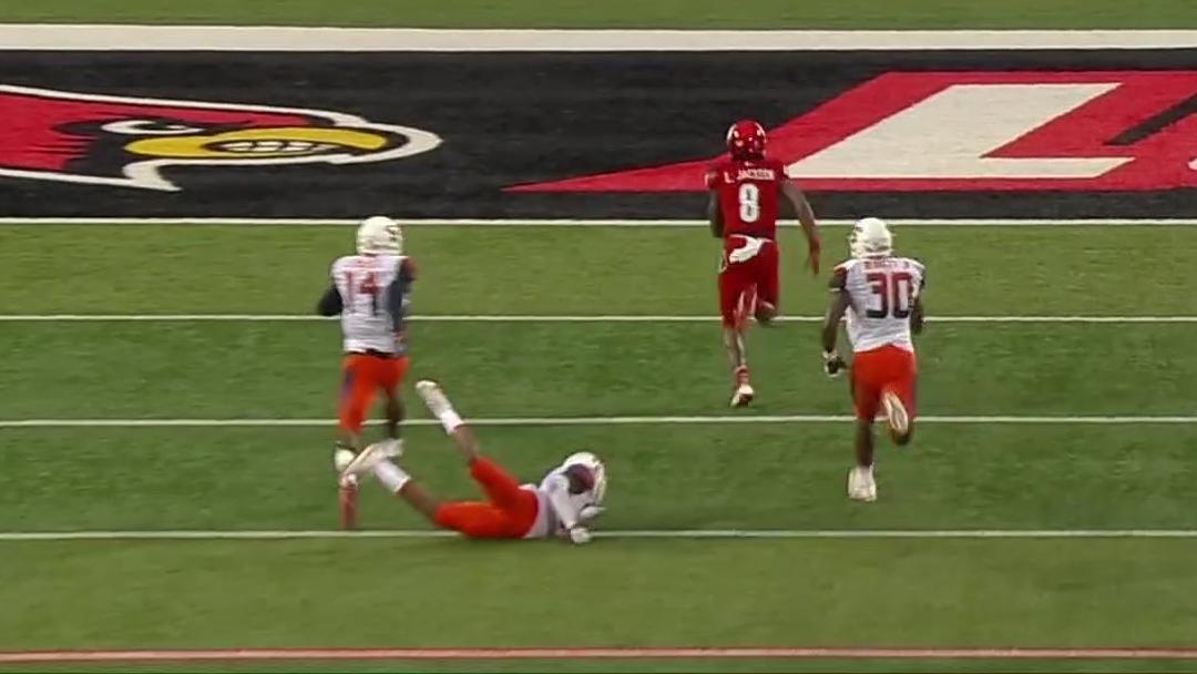 Jackson keeps it for 43-yard TD run