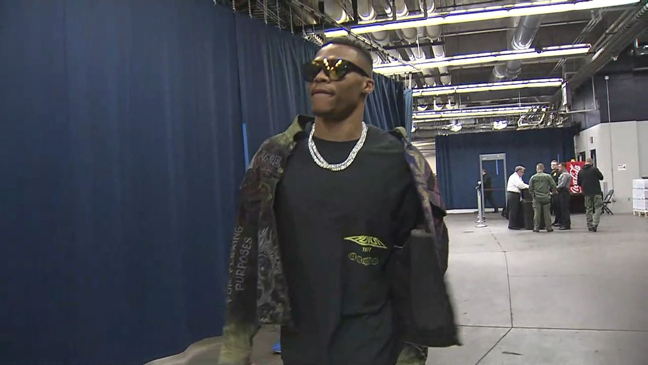 Westbrook arrives for matchup with Warriors
