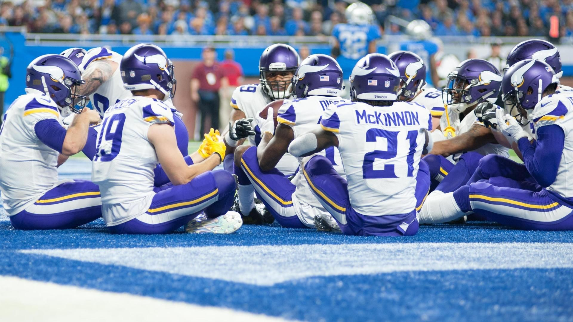 Vikings feast after Keenum's rushing TD