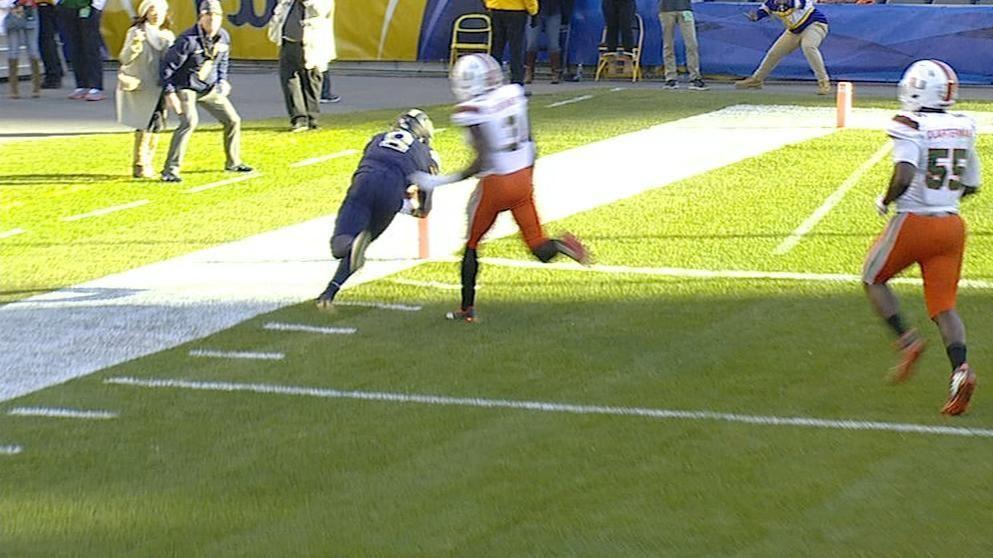 Pickett dives for huge Pitt TD