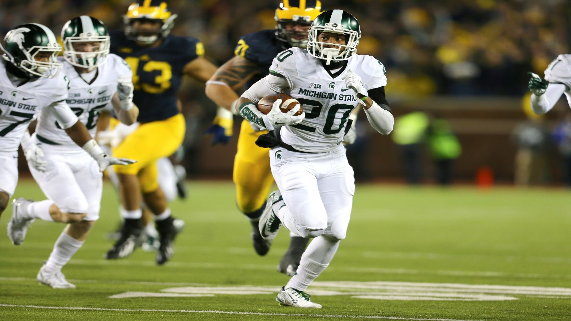 Spartans' incredible walk-off win vs. Wolverines in 2015