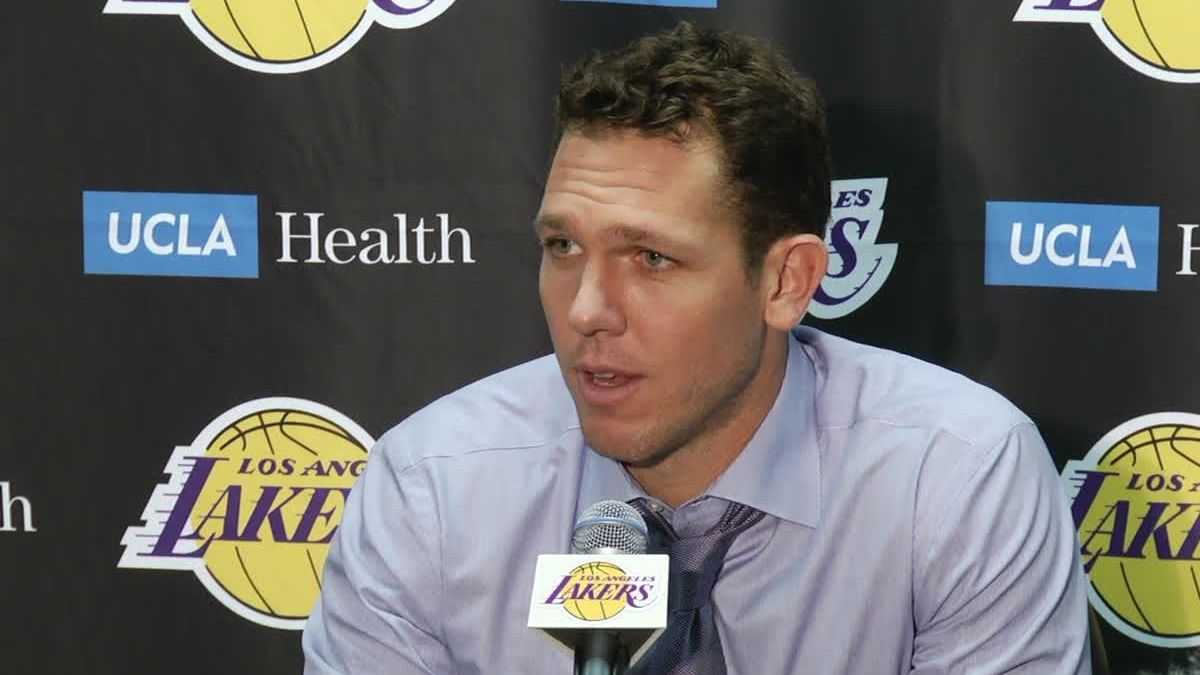 Walton sounds off on refs: 'It's not right'