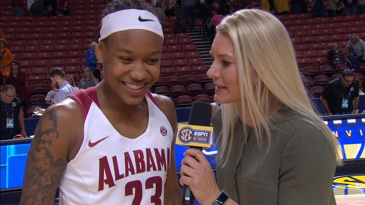 Wade's career day lifts Alabama to opening-round win