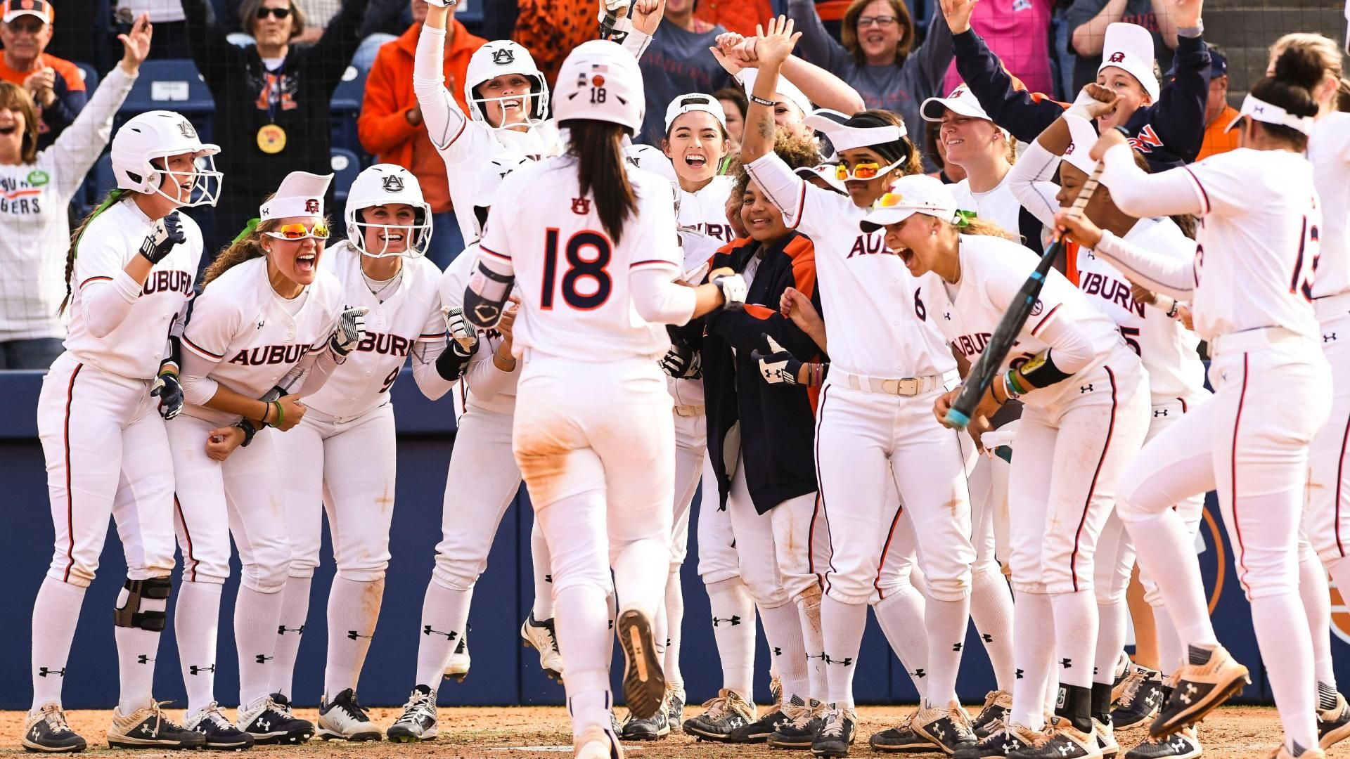 Auburn shocks A&M with walk-off grand slam