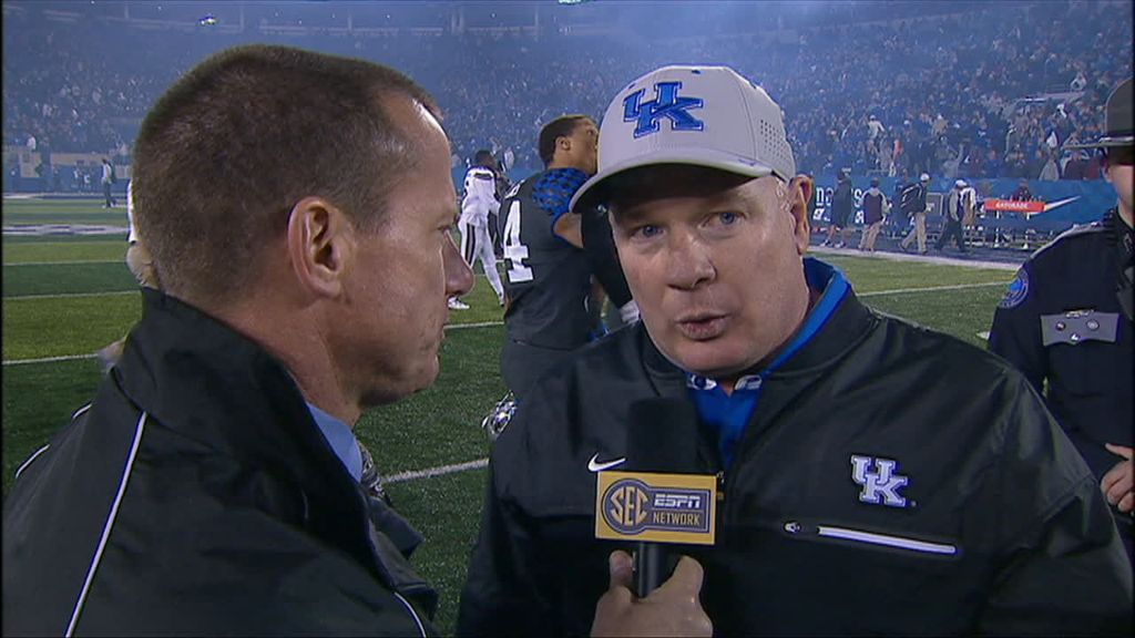 Stoops: 'We aren't perfect, but I love these guys'