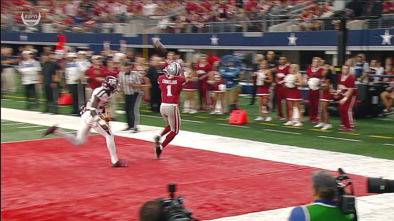 Arkansas' Cornelius hauls in TD catch