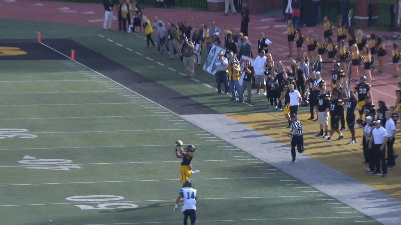 Lamb clicks with Virgil for huge TD pass