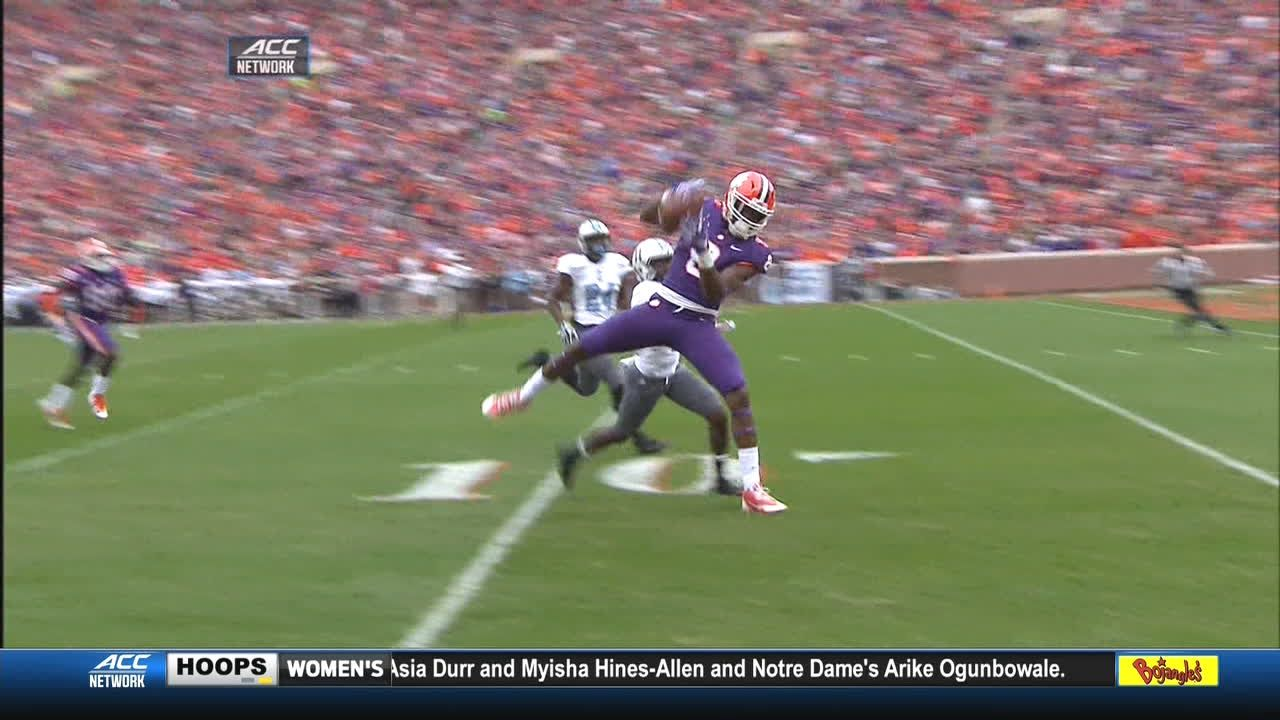 Bryant finds Cain for 53-yard TD