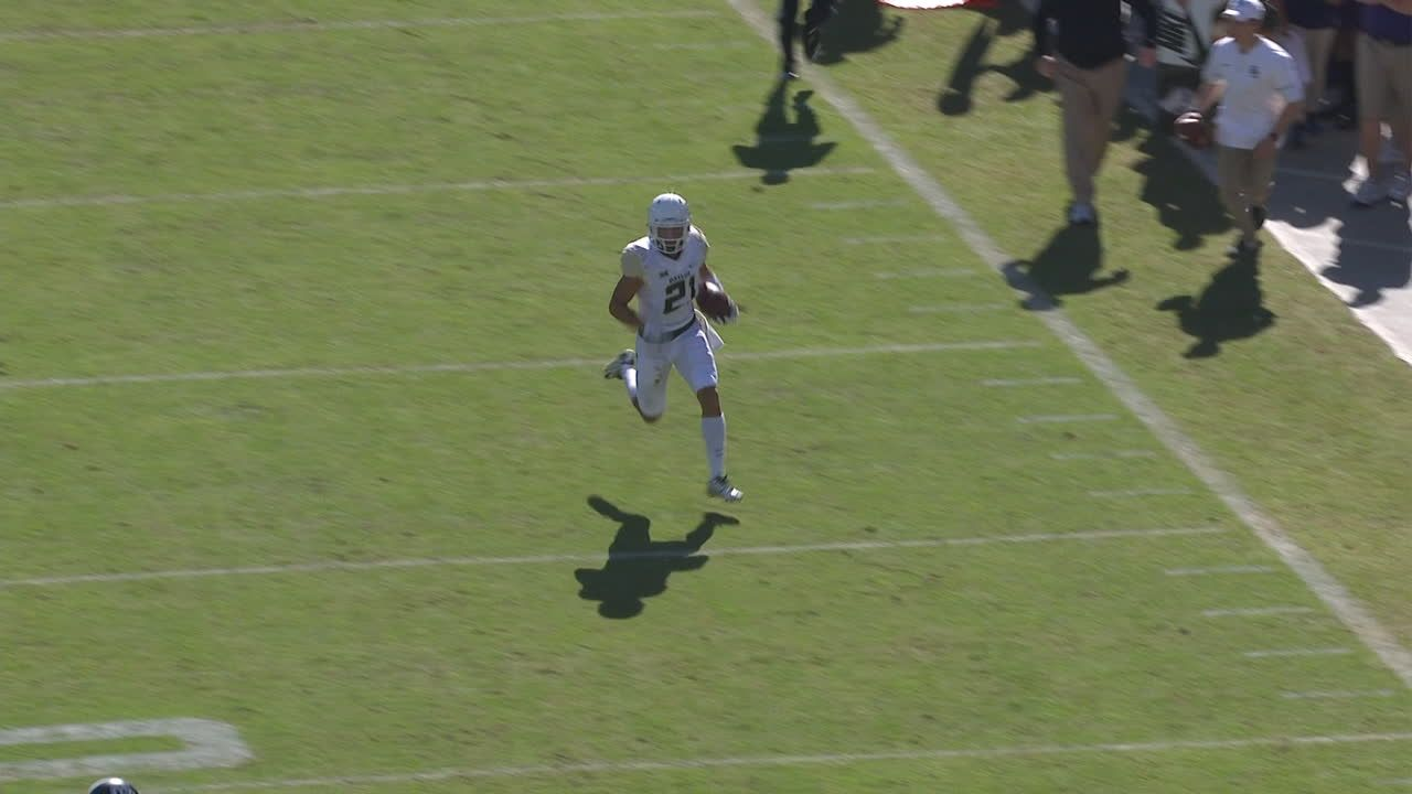 Lynch goes up the sideline for 54-yard TD