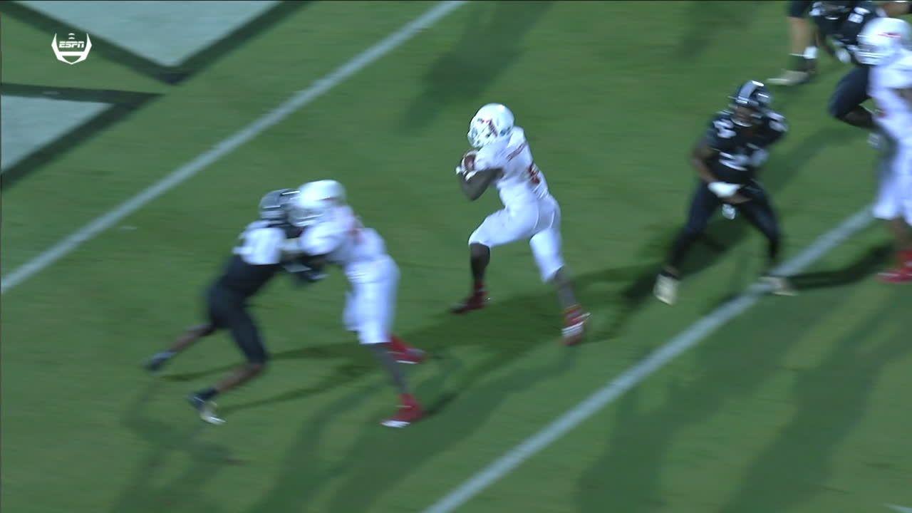 FAU hangs around with 5-yard rush TD