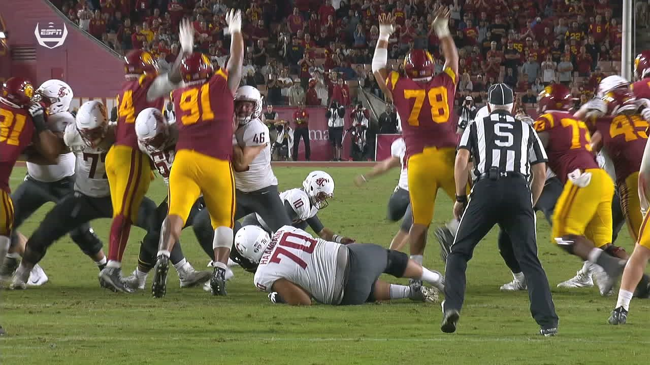 USC beats Wash St 39-36 on Daniels' 3 TDs, Tufele's block