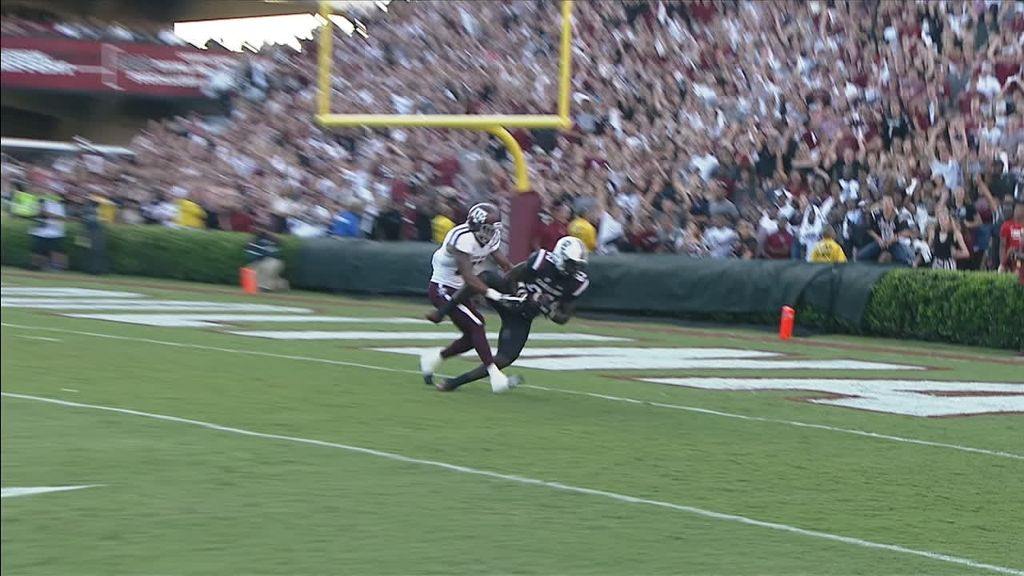 Bentley launches 33-yard TD to Dawkins
