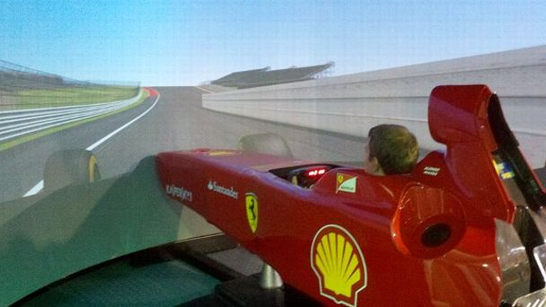 Brad Keselowski in F1 simulator