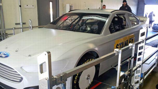 NASCAR measuring platform