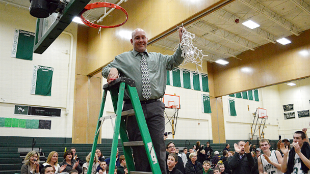 Mansfield basketball celebrates