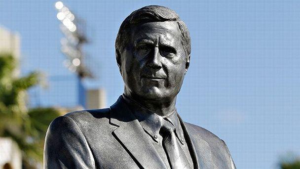 Steinbrenner Statue