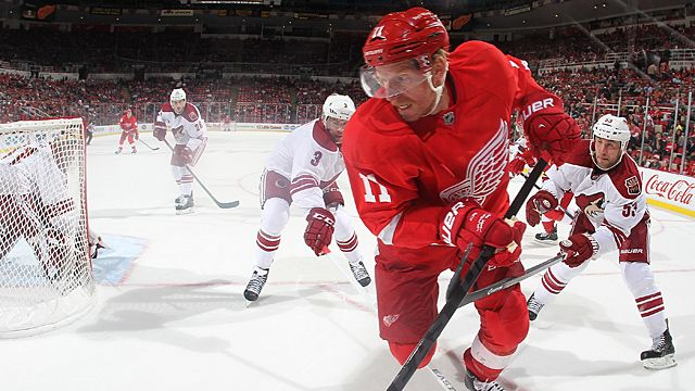 How Should Ottawa Fans Handle Daniel Alfredsson's Return? ...Will They Subject Him To 'the Dany Heatley'? (humor)
