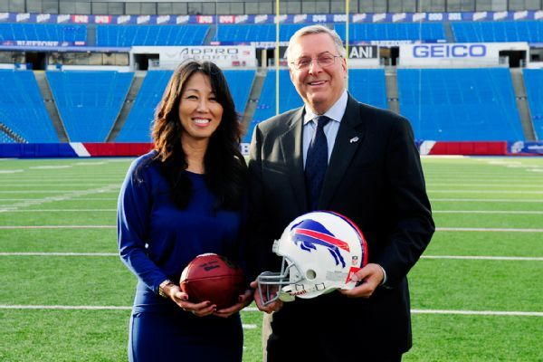 Bills owner Kim Pegula seeks compromise with players on social protests